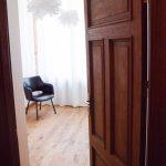 Ozolkoka grīdas dzīvoklī
